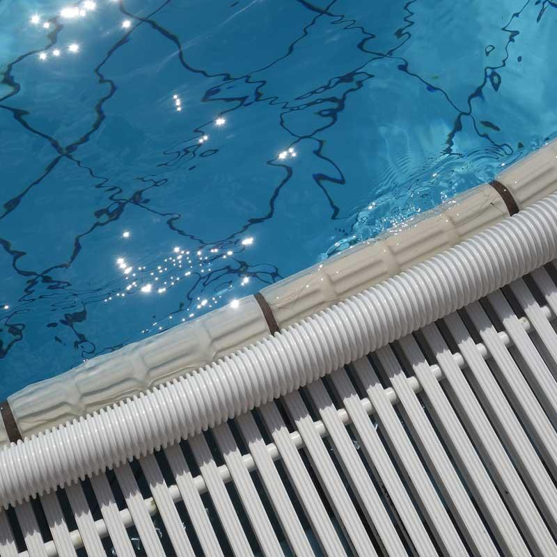 bordes y rejillas de piscina en Ourense